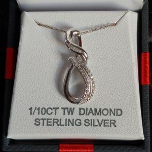 NWT!!! Beautiful Sterling Silver Diamond Pendant!!